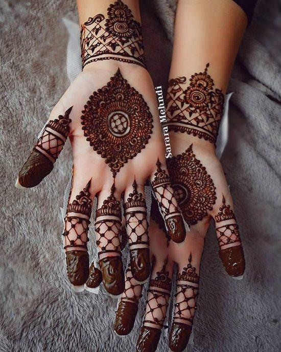 Front arabic style mehndi design