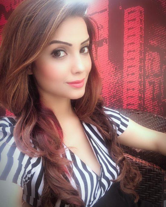 Adaa Khan Most Beautiful Women in India
